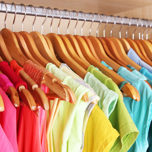 Moms, Naikin Mood dengan Warna Baju yuk!
