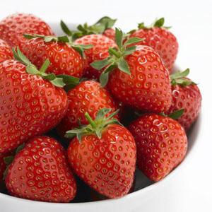 Hai Bumil, Makan Buah Strawberry yuk!