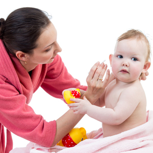 Tips Membersihkan Telinga Bayi