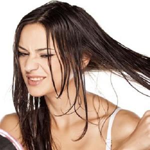 Rambut Makin Sering Berminyak? Hindari Ini!