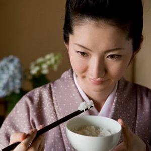 Rahasia Alami Wanita Jepang Menjaga Tubuh