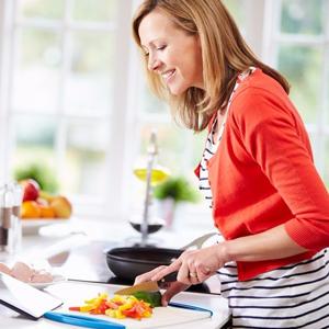 Buat Kegiatan Masak Moms Makin Mudah Dengan Trik Ini!