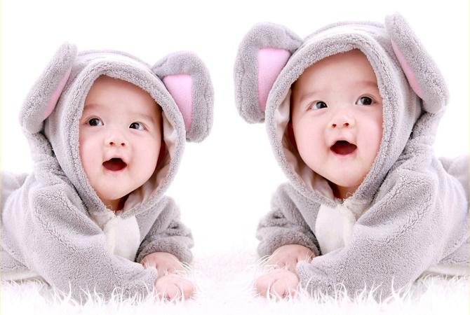 Tips Hamil Anak Kembar Secara Alami dan Medis