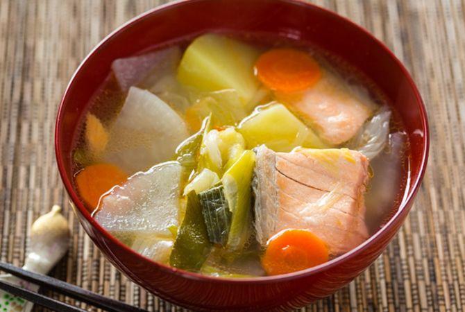 Sop Ikan Salmon, Nutrisi Sehat Ibu Hamil Trimester 1