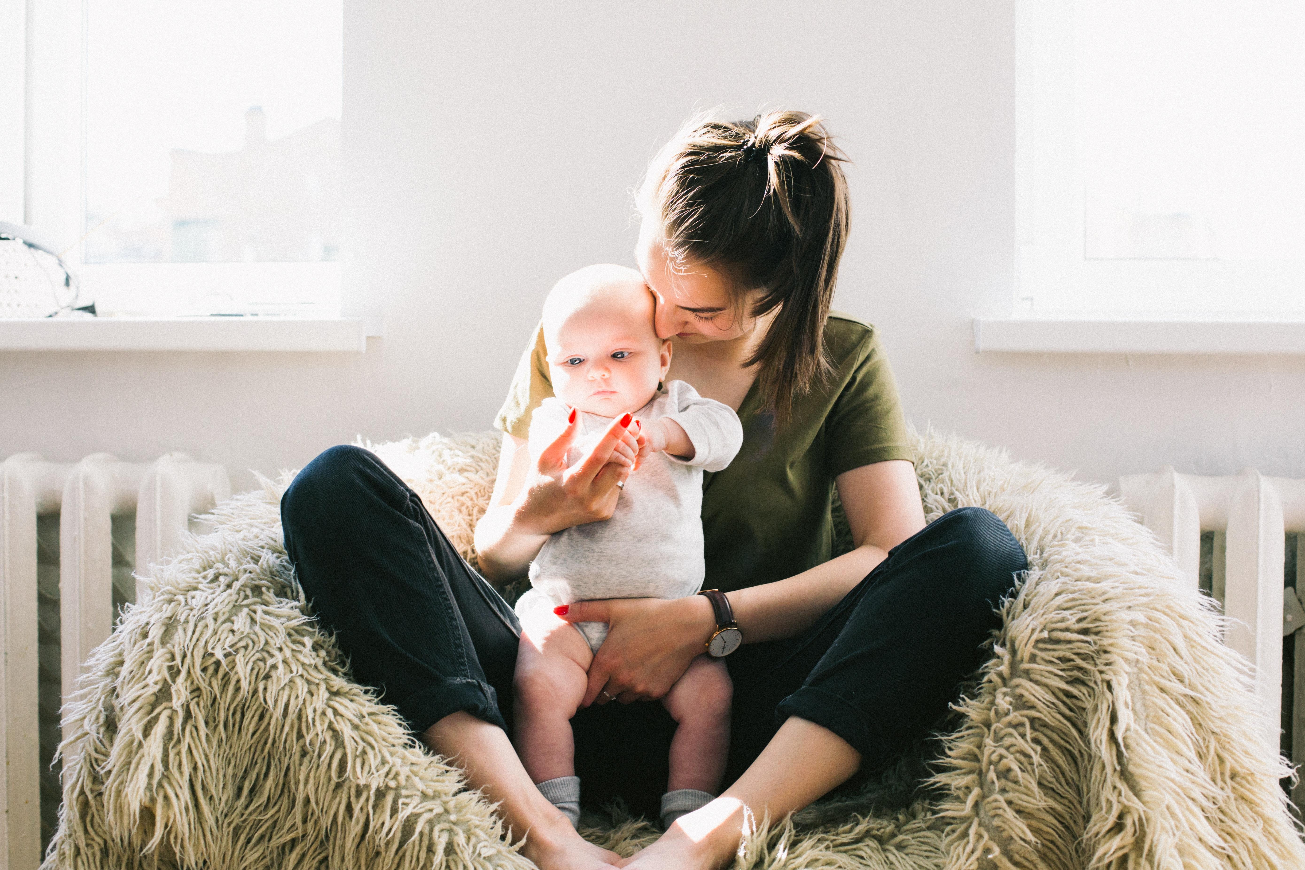 媽媽感冒,可以餵寶寶喝母乳嗎?