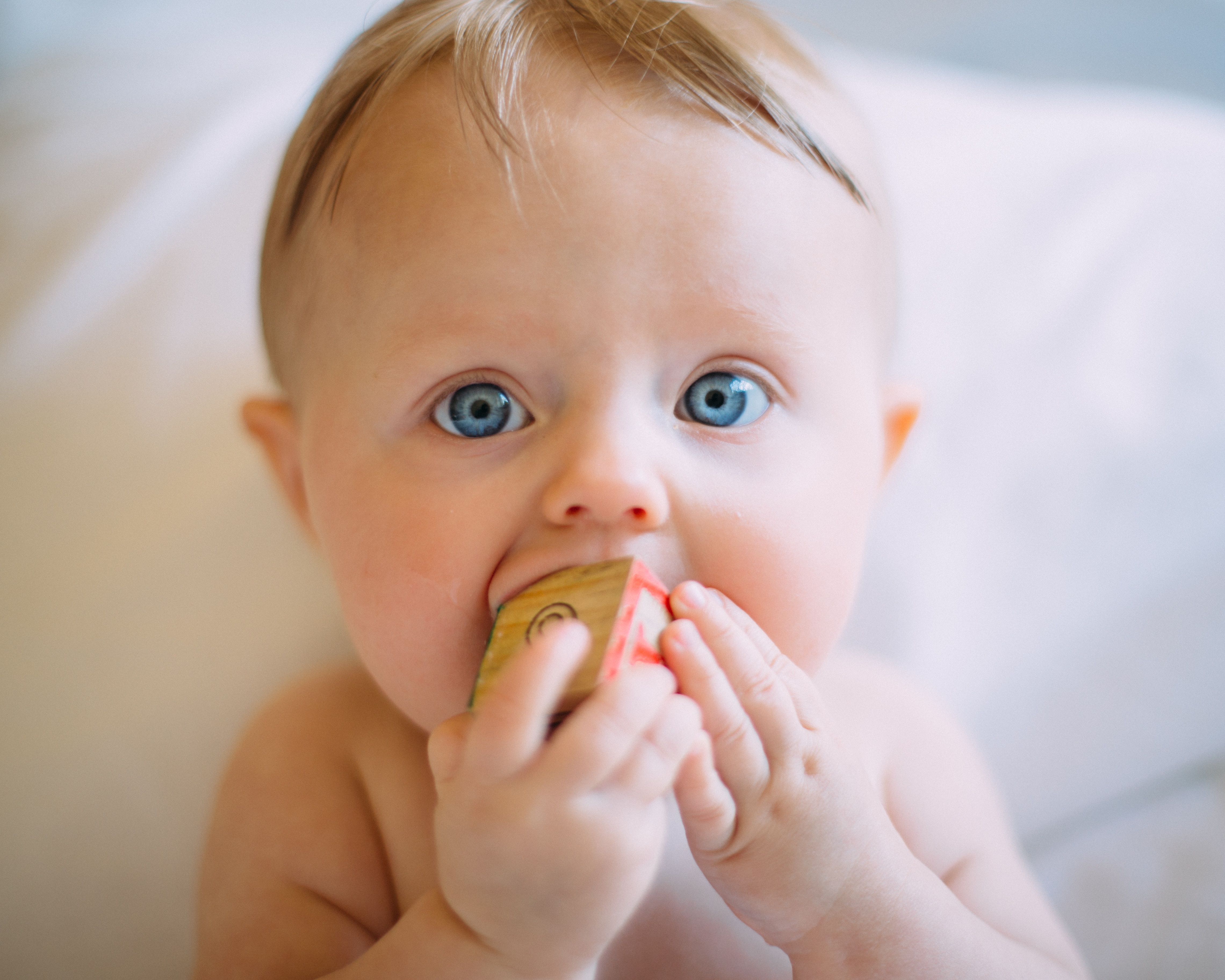 寶寶吸手手是否該禁止