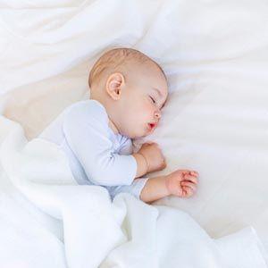 Yuk Moms Kenali Pola Tidur Bayi