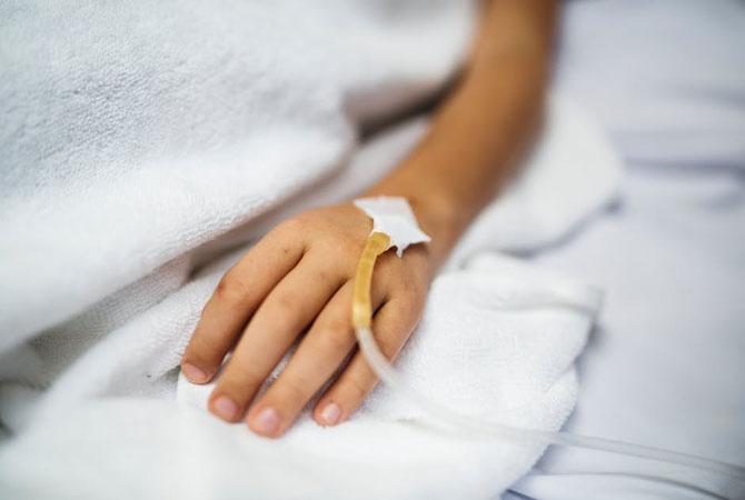 Sedang Merawat Anggota Keluarga yang Sakit? Perhatikan Ini Dulu Moms