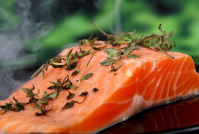 Resep MPASI: Salmon Brokoli Kacang (8 bulan ke atas)