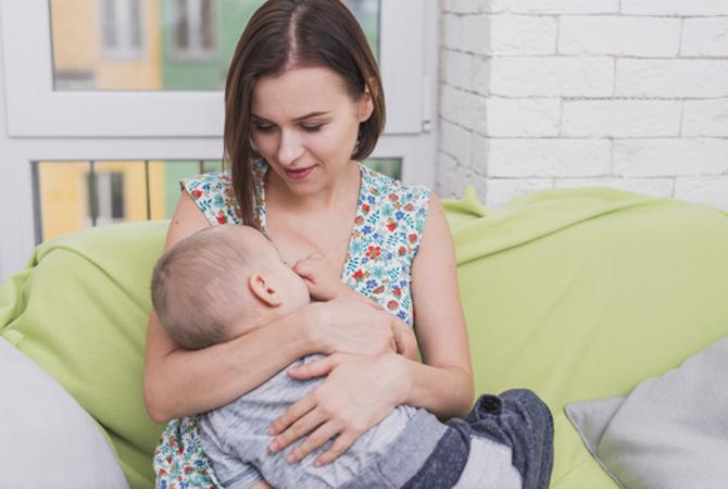 Menyusui Saat Hamil Diperbolehkan Moms, Asalkan