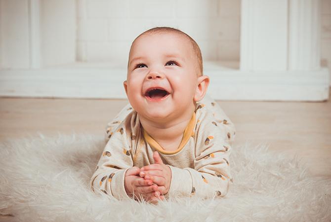 Langkah Ampuh Merawat Gigi Bayi agar Tetap Sehat