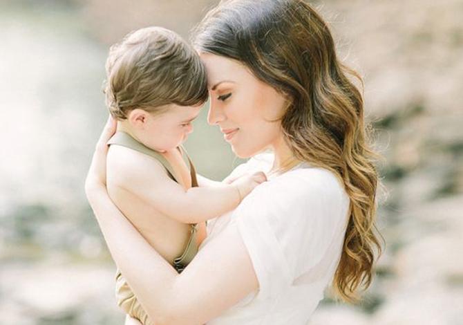Mom Kenali Perbedaan Antara Baby Blues dan Depresi Postpartum