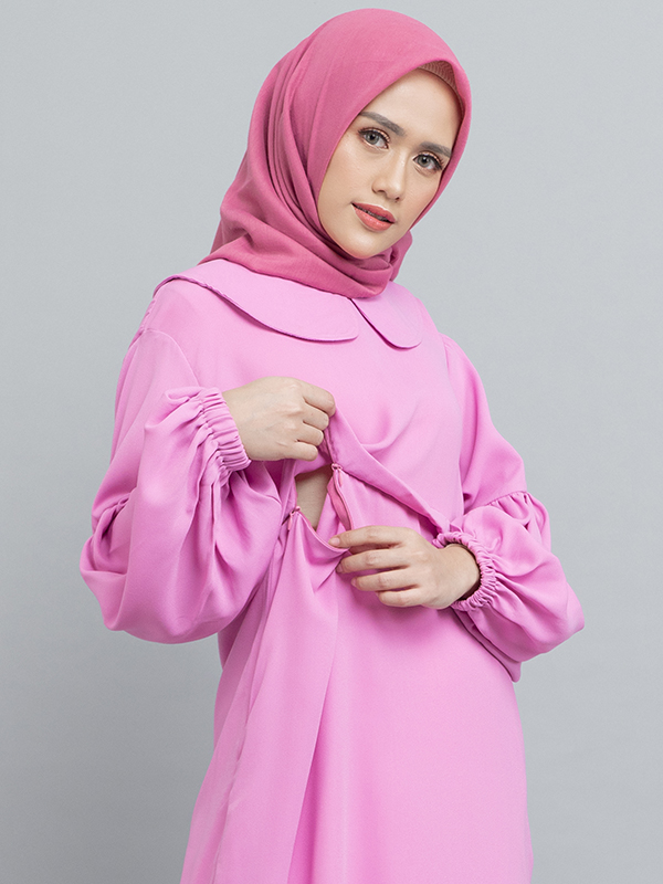 one gallery picture for MOOIMOM Gamis with Pleats & Peter Pan Collar Pink