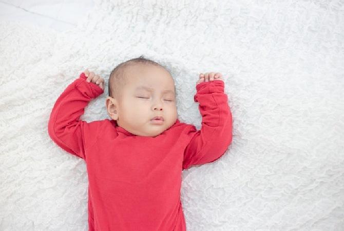 Fakta vs Mitos Tentang Tidur Bayi. Jangan Salah Kaprah Ya, Moms!