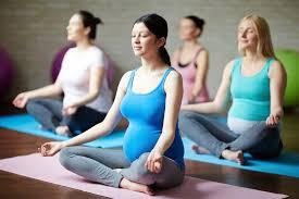 8 Manfaat Prenatal Yoga untuk Kehamilan, Sudah Coba?