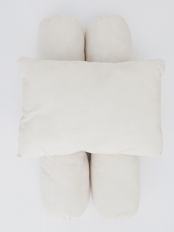 one gallery picture for EQUI Bantal Guling Bayi Set