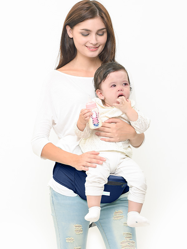 one gallery picture for MOOIMOM Lightweight Hipseat Carrier Gendongan Bayi Navy