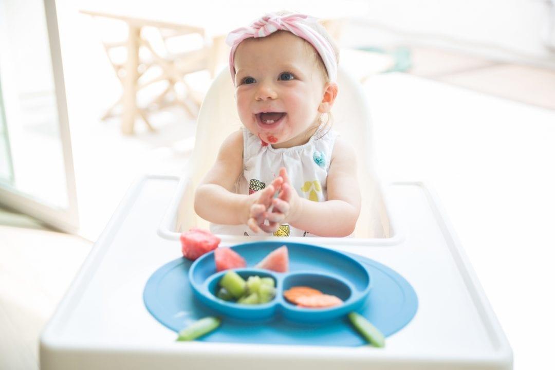 5 Manfaat BLW untuk Perkembangan Bayi, Apa Saja?