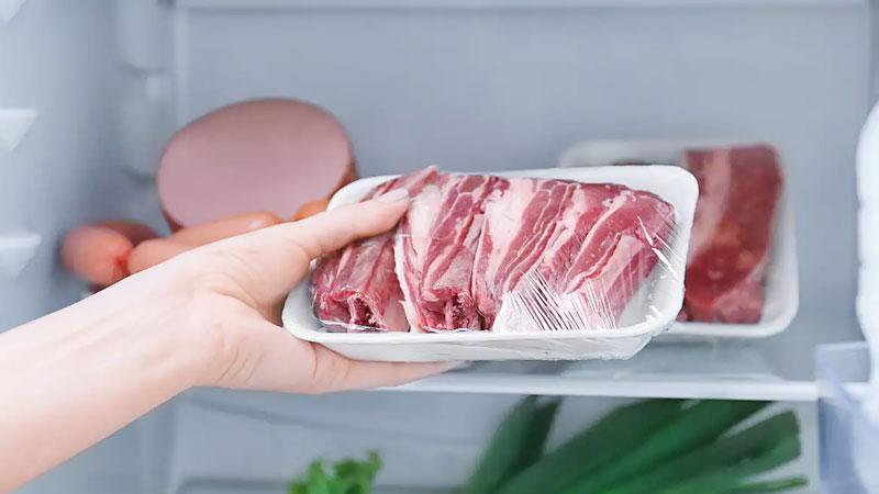 Moms, Ini 5 Cara Menyimpan Daging di Kulkas Agar Tahan Lama