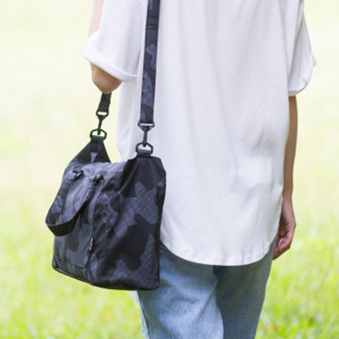 gallery picture of [CIPU] Light Tote Bag S