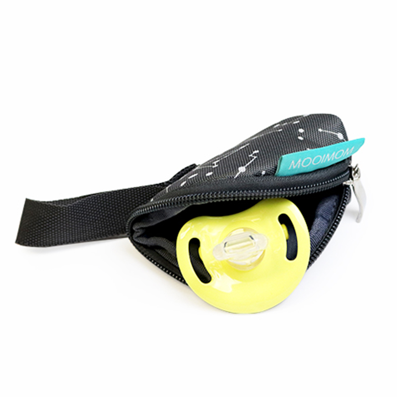one gallery picture for MOOIMOM Pacifier Pouch