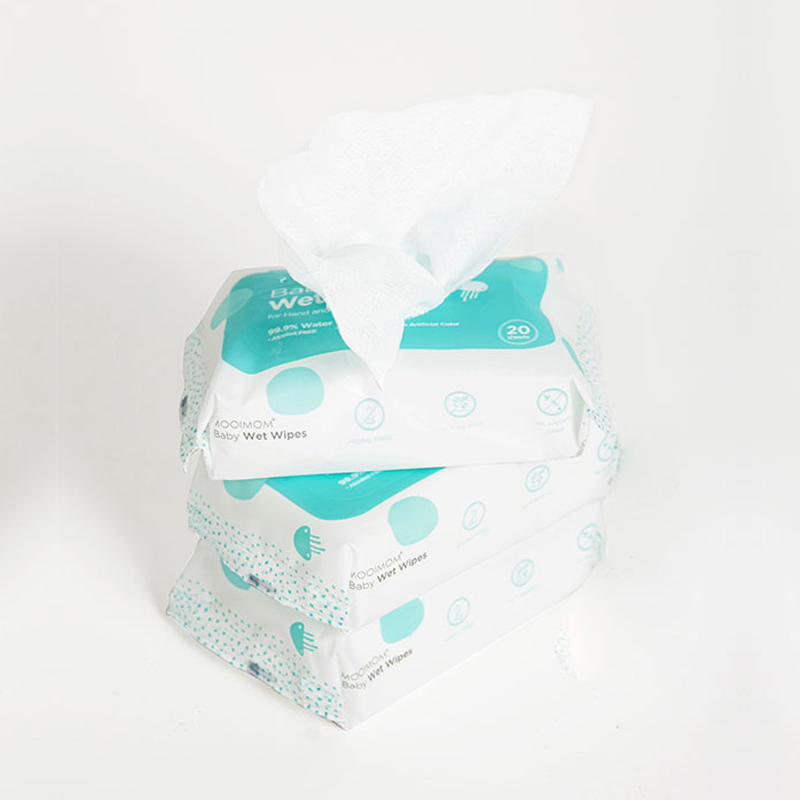 one gallery picture for MOOIMOM Wet Wipes (1 Pack isi 20 Lembar)