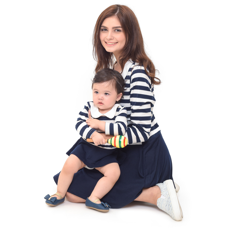 one gallery picture for MOOIMOM Round Neck Long Sleeves Nursing Dress Couple Set Baju Hamil Menyusui Couple Ibu Anak