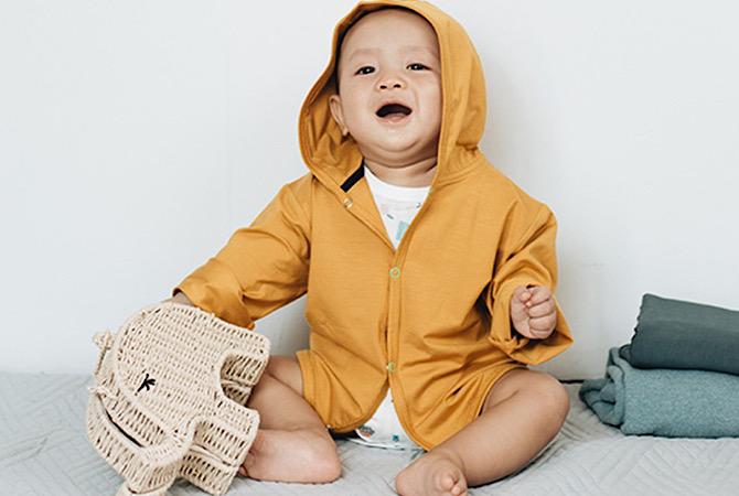 Tips Memilih dan Mencuci Pakaian Bayi, Simak Yuk!