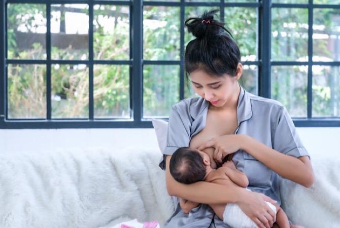 New Moms Harus Simak, Ini Cara Menyusui Bayi yang Benar Agar Tidak Muntah