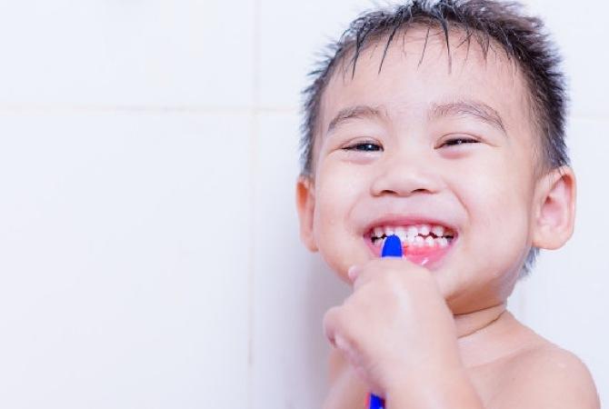 Tips Merawat Gigi Anak saat Pandemi