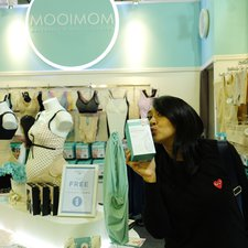 Mom Chua Kotak ngga lupa beli Silicon Breast Pump, The Most Wanted Breast Pump nih dikalangan ibu-ibu
