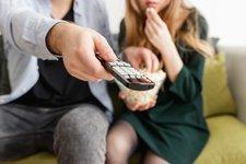 寶寶可以看電視或手機嗎?