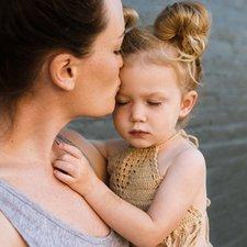 Apakah Menggendong Bayi Penting?