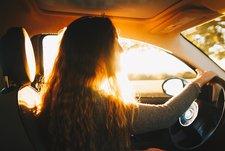 Mengendarai Mobil Sendiri Apakah Aman untuk Bumil?