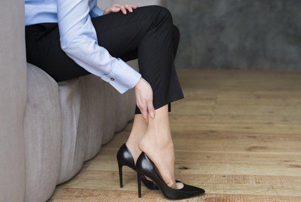 Aturan Memakai Sepatu High Heels untuk Ibu Hamil