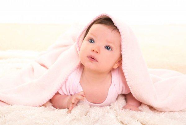Mengenal Dermatitis Atopik dari Kasus Viral Bayi yang Kerap Dicubit Pipinya
