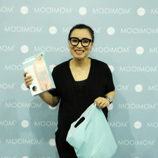 Jangan lupakan photo booth MOOIMOM! Pastinya setiap pameran kami tidak lupa untuk membuat photo booth untuk Moms! Sudah foto di sini belum Moms?