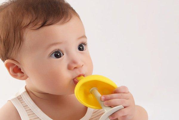 Moms, Yuk Latih Sensorik Anak Dengan Mainan Ini