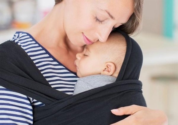 5 Aturan Menggendong yang Wajib Diikuti oleh Para Moms