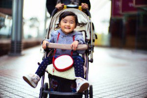 Cara Praktis Membersihkan Stroller Bayi