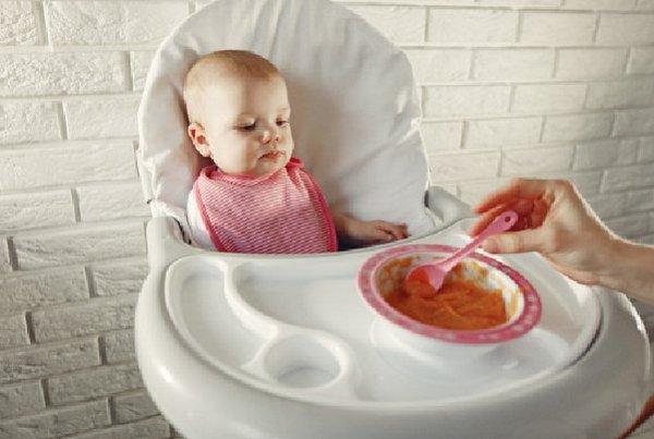 Tips Memilih Sendok Makan Bayi yang Tepat
