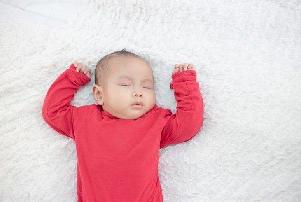Bayi Tidur Siang Sangat Lama. Wajarkah?