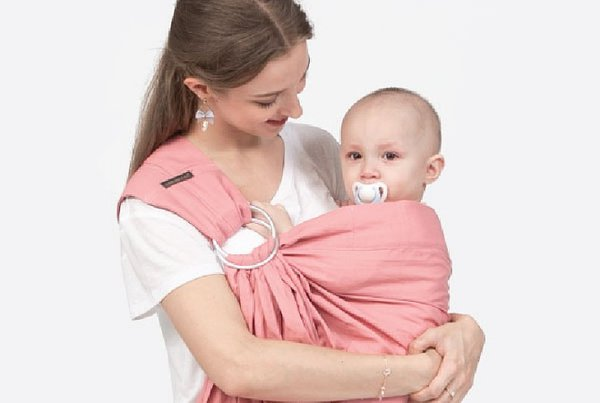 Pentingnya Memiliki Gendongan Bayi