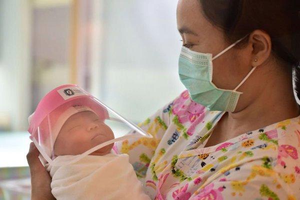 Bayi Baru Lahir Saat Pandemi? Ini 5 Hal yang Wajib Moms Lakukan