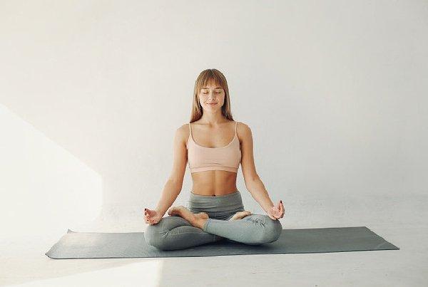 Benarkah Yoga Meningkatkan Peluang Hamil? Simak Faktanya