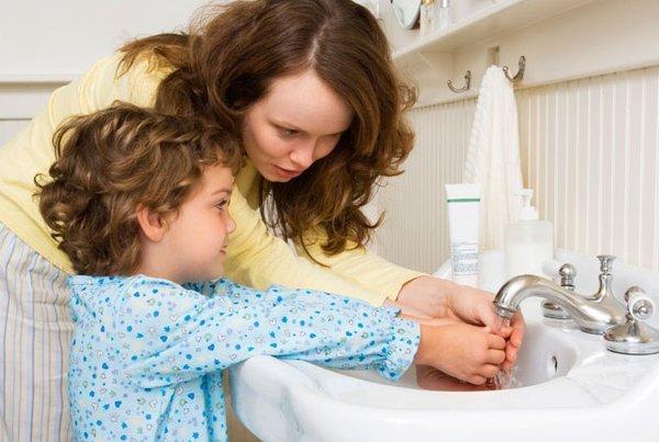 Yuk Ajarkan Anak Rutin Cuci Tangan