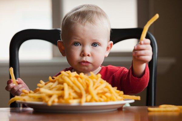 Hati-Hati Moms! 3 Makanan Ini Bisa Berdampak Buruk untuk Balita