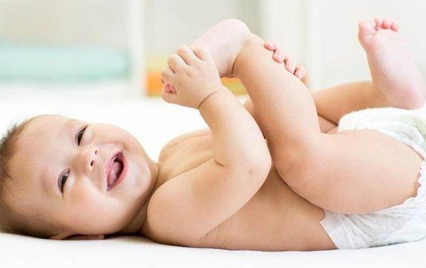 3 Kondisi Penyebab Bayi Jarang Pipis