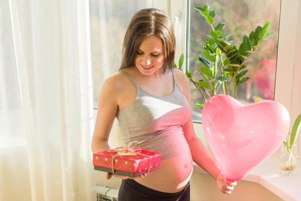 5 Ide Hadiah untuk Ibu Hamil, Unik dan Pasti Bermanfaat!