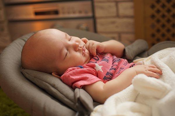 Bayi Tidur di Swinger, Bahayakah?